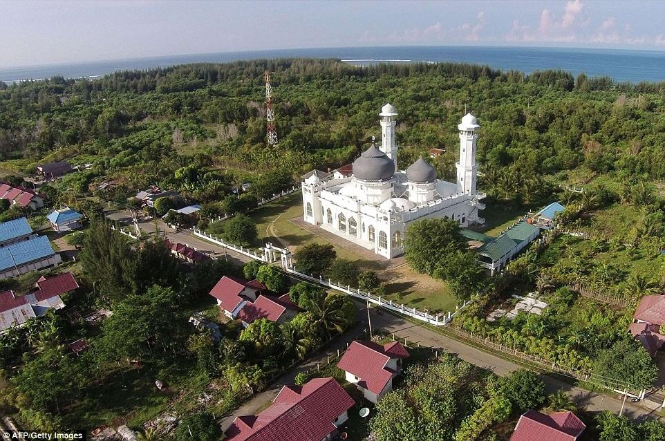 Beginilah Kondisi 2 Masjid Yang Jadi Saksi Bisu Tsunami Aceh 13 Tahun Lalu Bangka Pos