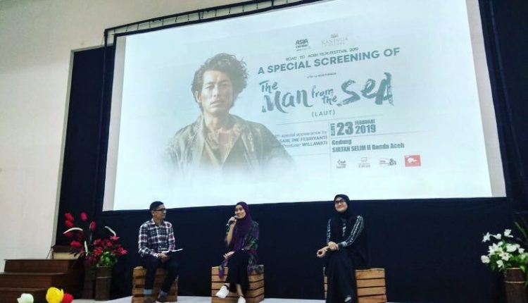 Screening film the man of the sea